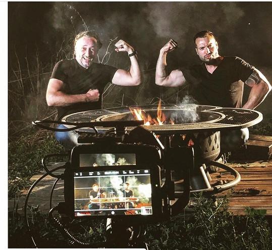 Marian s Noidem točí videoklip k jejich duetu Křídla.