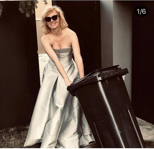 Šaty ze Lva si vzala ještě jednou na jaře v rámci instagramové výzvy.