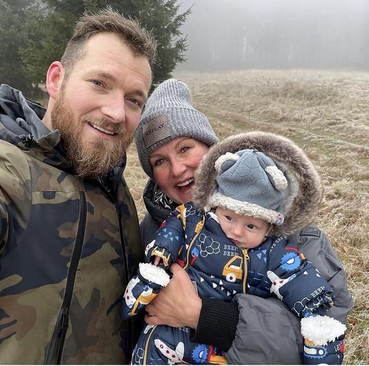 Vendula Pizingerová s manželem Josefem a synem Josífkem