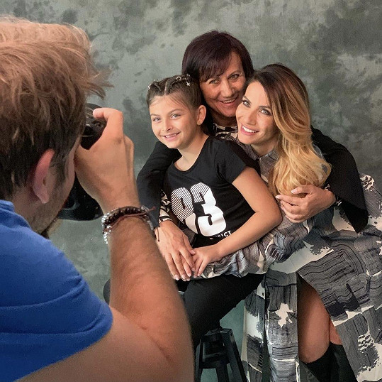 Eva Decastelo s dcerou Zuzankou a maminkou