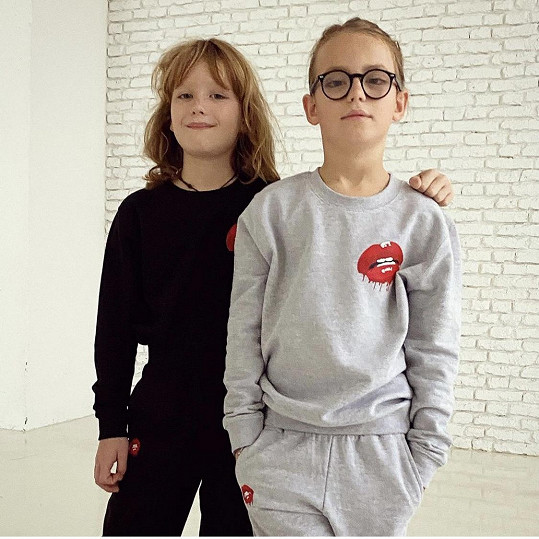 Oba jsou rozdílné osobnosti, proto chodí i do jiné školy. Max do státní, Bruno do doukromé.