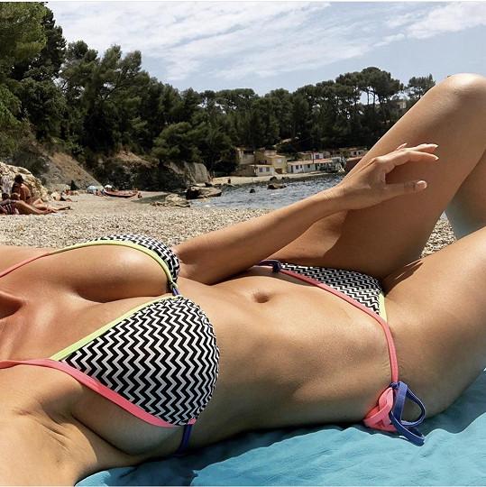 Iva sdílela poslední fotku v plavkách.