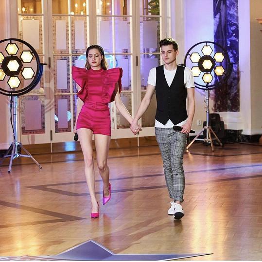 Karin Křížová zpívala duet s Mikulášem Hrbáčkem.
