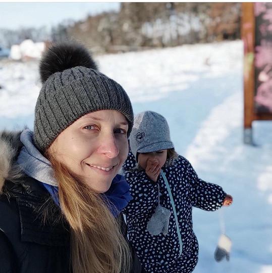 Tereza Bebarová si díky otužování poprvé nestěžuje na chladné počasí a zimu.