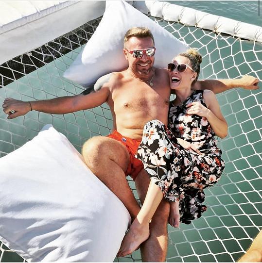 Na dovolené byla i se svou kamarádkou Michaelou Gemrotovou.
