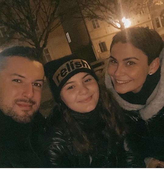 Vlaďka Erbová se Zdeňkem Bahenským a jejich dcerou Viktorkou společně strávili první advent.