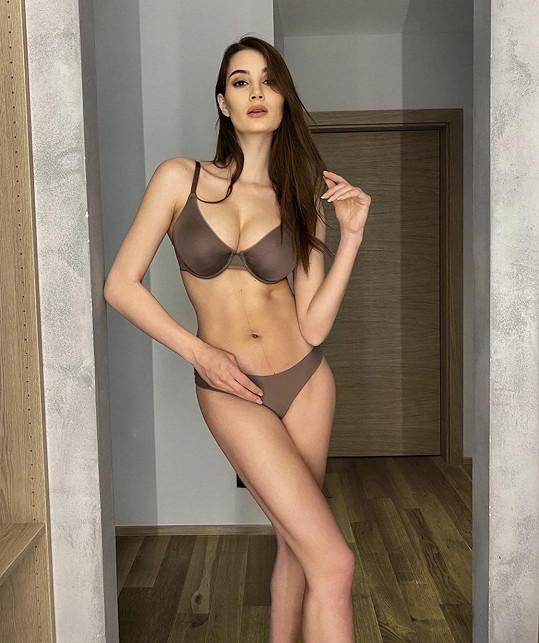 Kristýna Schicková má po porodu zpět dokonalou postavu.