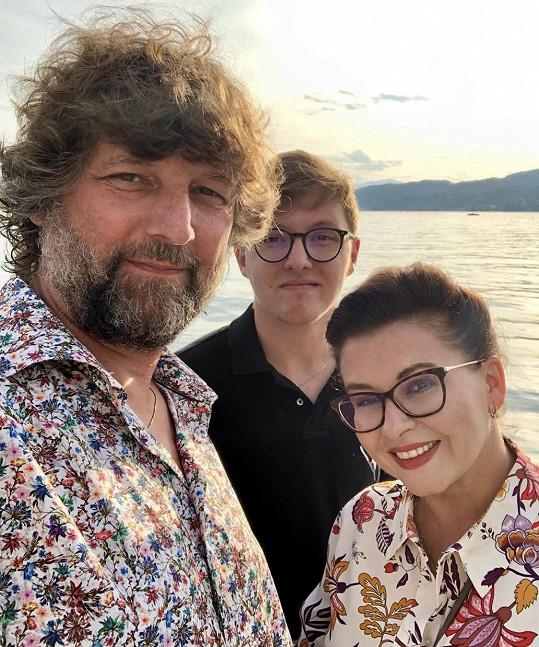 Minulé léto si užili dovolenou ve třech i se synem Petrem.