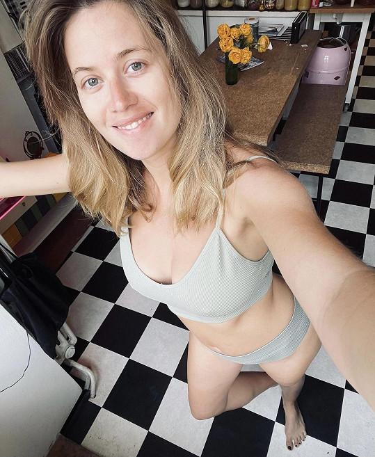 Emma Smetana 24 dní po porodu