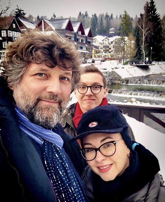 S manželem Petrem Maláskem a synem Péťou, kterého má nyní doma.