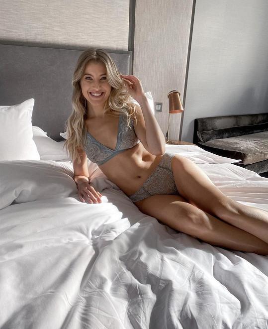 Jitka Nováčková se vyfotila ve spodním prádle.