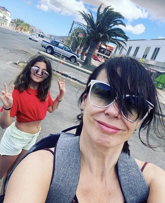Nela Boudová s dcerou Sašenkou vyrazila na ostrov Fuerteventura.