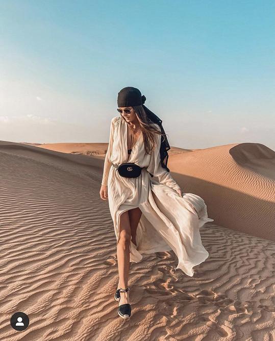Vypravila se i do pouště.