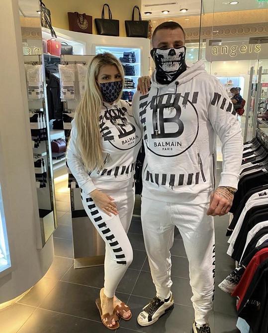 Karlos a Lela nakupovali v Dubaji.