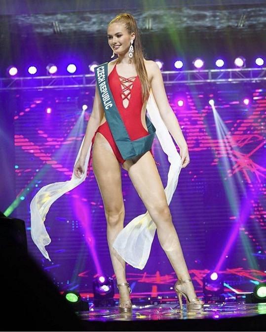 ...díky svému úspěchu na Miss Earth.