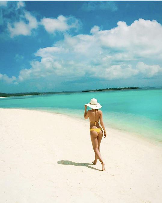 Denisa Grossová si užívá na Zanzibaru.