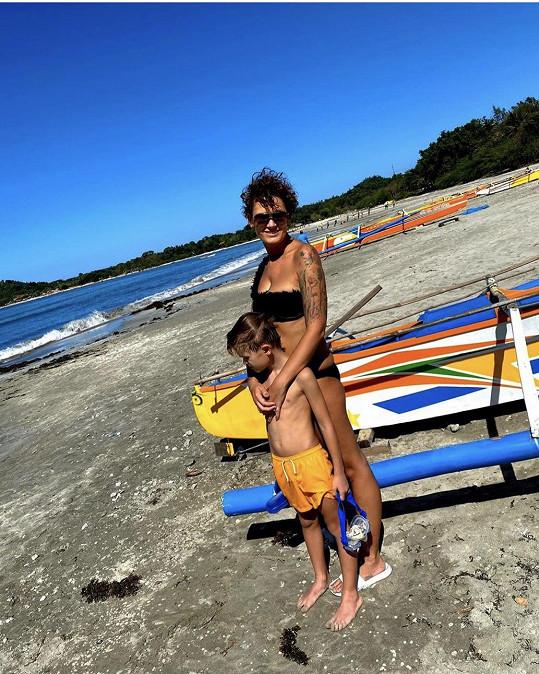Michaela Salačová si užívá dovolenou na Filipínách.
