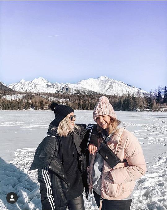 Mariana vyrazila do Vysokých Tater s kamarádkou Helenou.