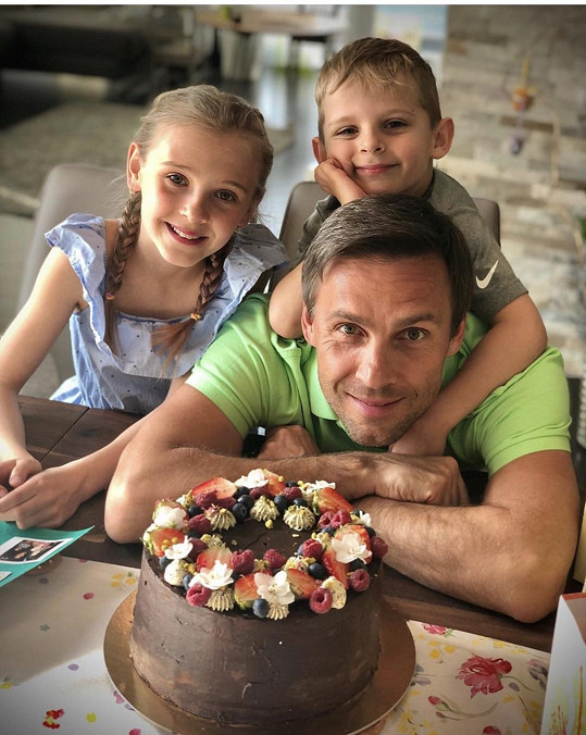 Vojtek má z prvního manželství dceru Editu a syna Bena.