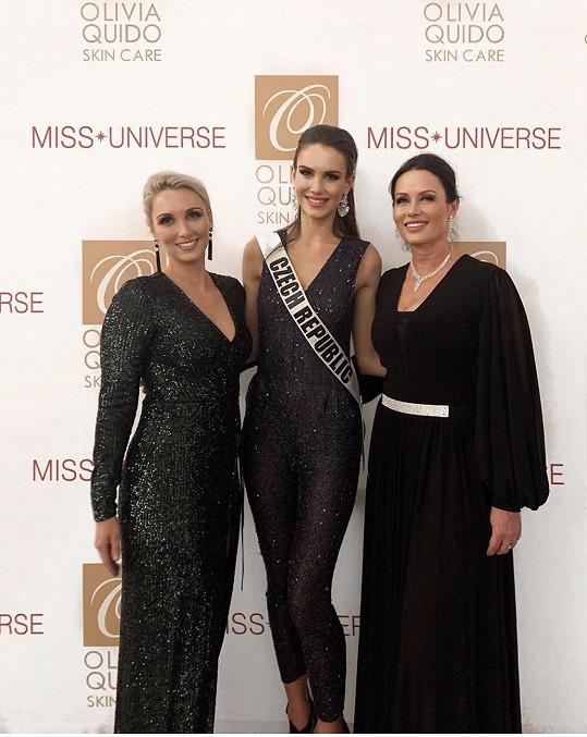 Maminka přiletěla Báru podpořit i na světovou soutěž Miss Universe.