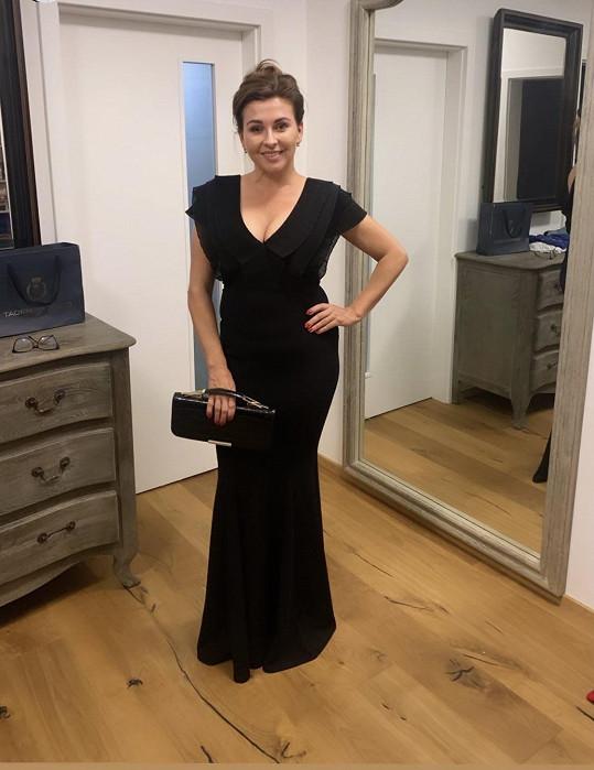 Jeho žena sledovala přenos doma. Dana Morávková se ale oblékla do večerních šatů i k televizi.