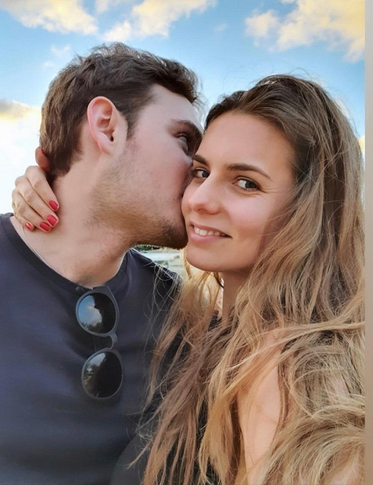 Alain s přítelkyní Patricií