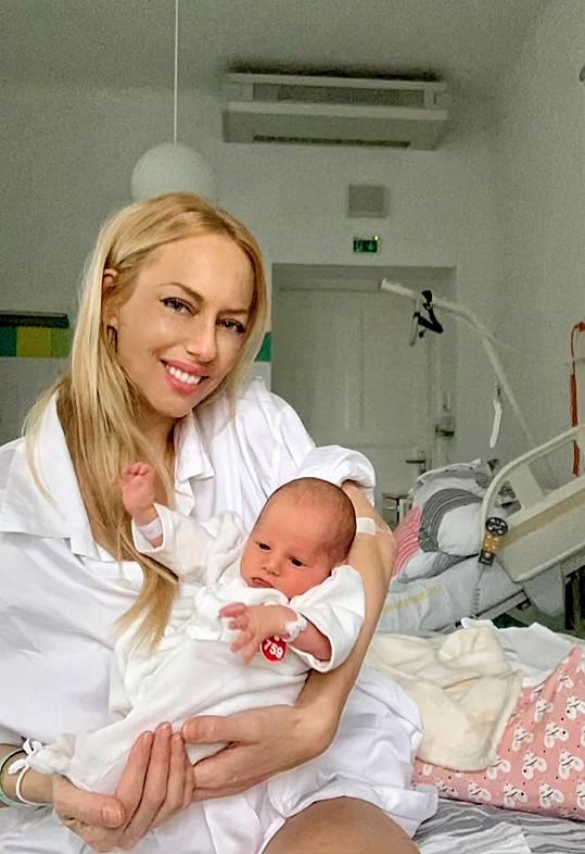 Karolínka se narodila dva týdny před odhadovaným termínem porodu.