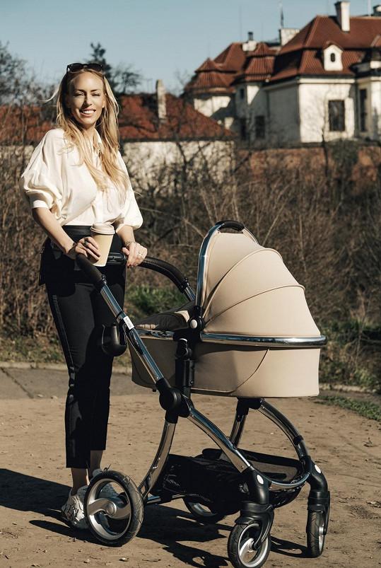 Zhubla díky kojení.