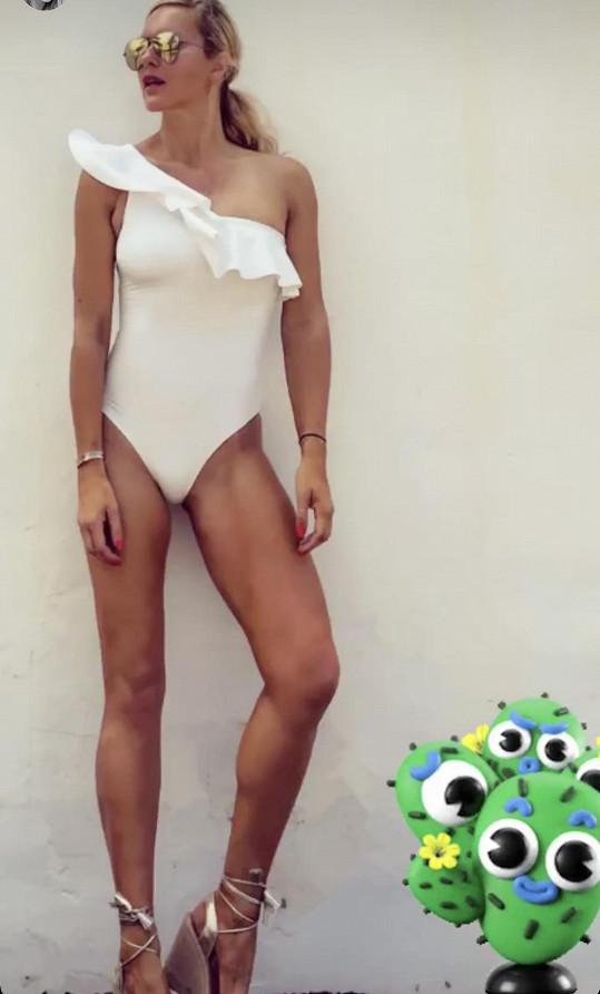Bílé plavky si může dovolit obléknout málokdo.