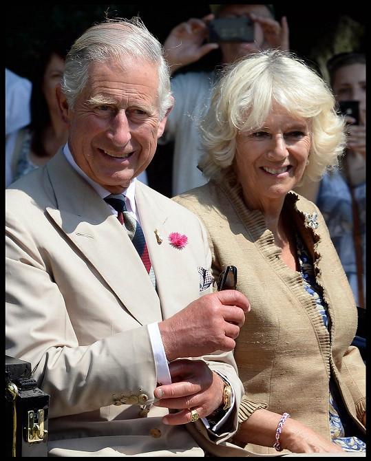 Camilla nakonec po boku prince Charlese skutečně stanula.