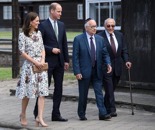 Kate zvolila květované šaty.