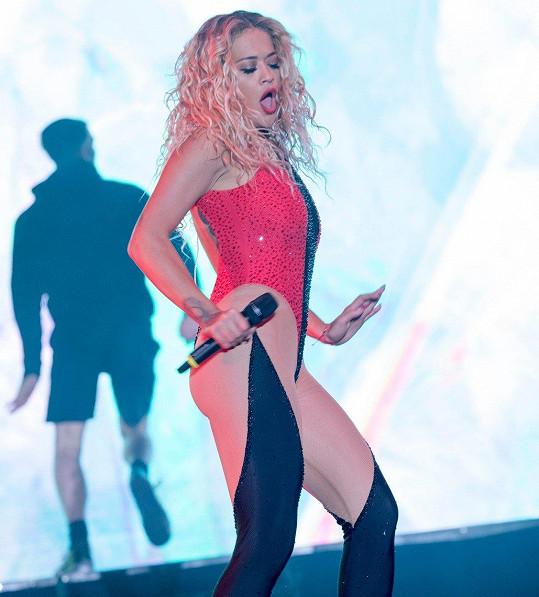 Rita Ora oblékla pořádně dráždivý kostým.