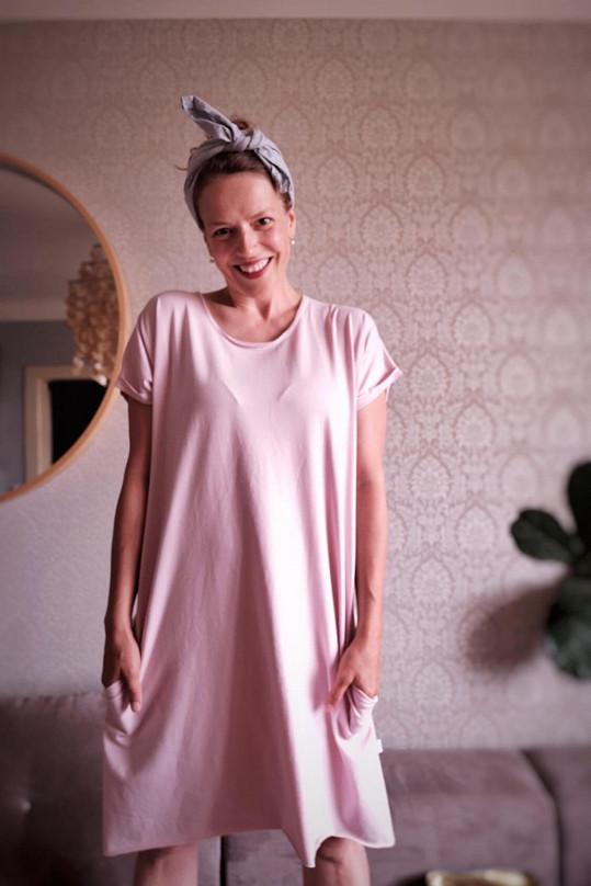Fotilo se také u ní doma ve vinohradském bytě.