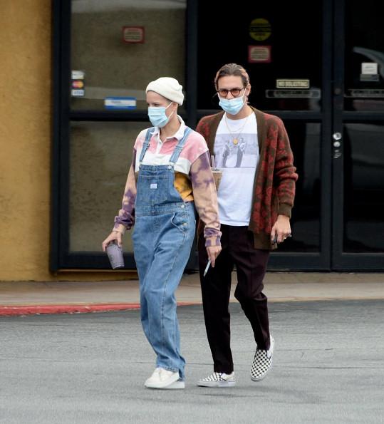 Halsey a Alev Aydin na nákupu v říjnu loňského roku.