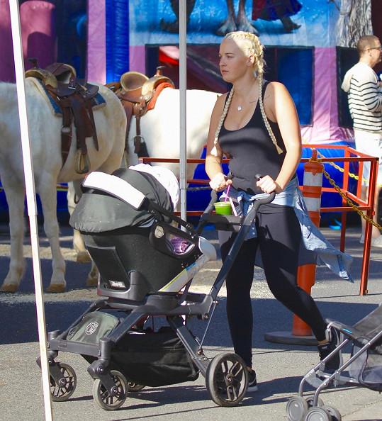 Bývalá chůva Gwen Stefani už má vlastní dítě.