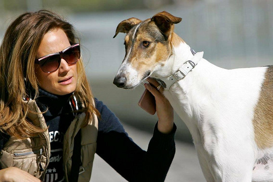 Klára Doležalová se svým psím miláčkem