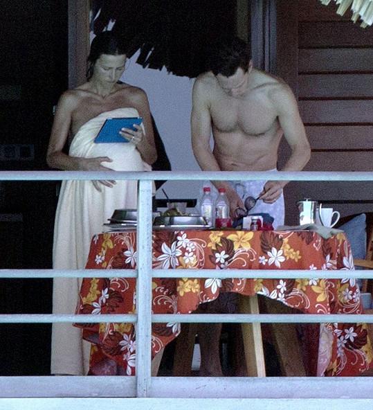 Cumberbatch se může pochlubit vypracovanou postavou.