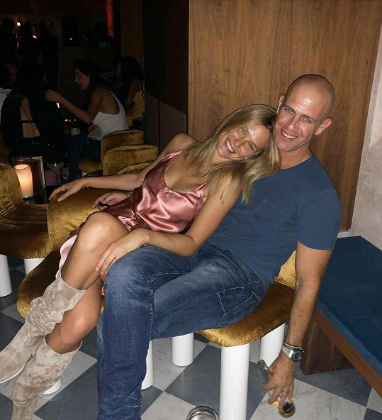 S manželem Adim Ezrou