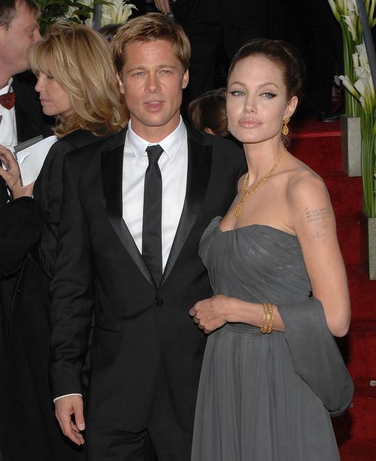 Angelina s Bradem na Zlatých glóbech z roku 2007