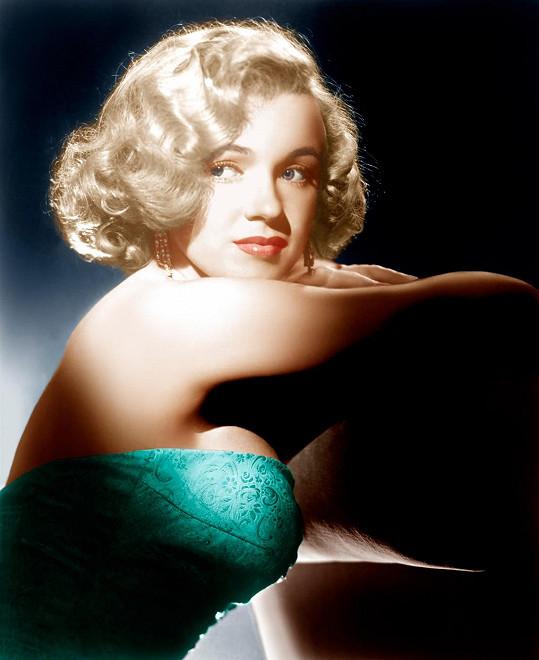 Marilyn na sebe poprvé upozornila filmem Vše o Evě. Už tehdy měla výstavní vnady.