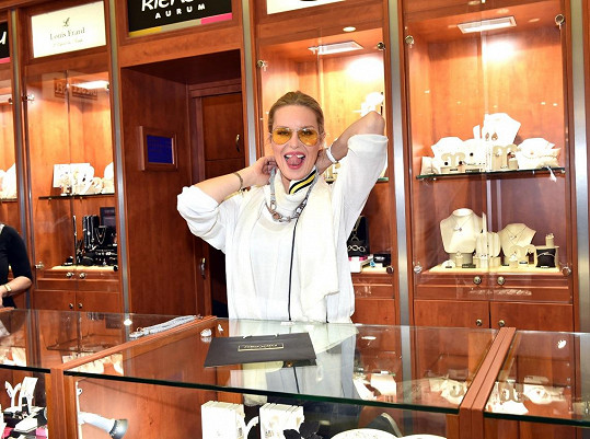 Simona Krainová je milovnicí módy.