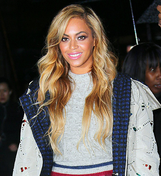 Beyoncé v poslední době vsadila na světlejší vlasy.