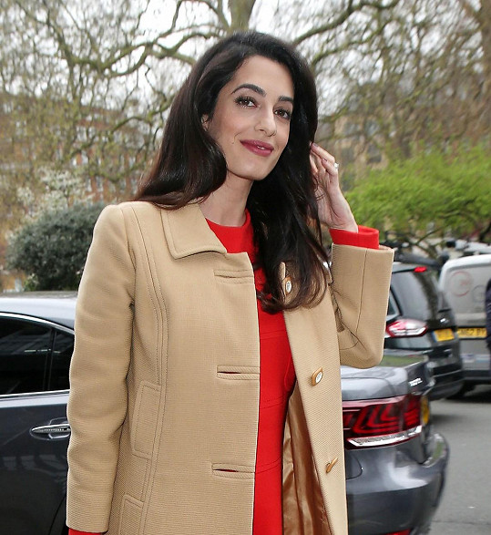 Devětatřicetiletá Amal se těší na novou roli.