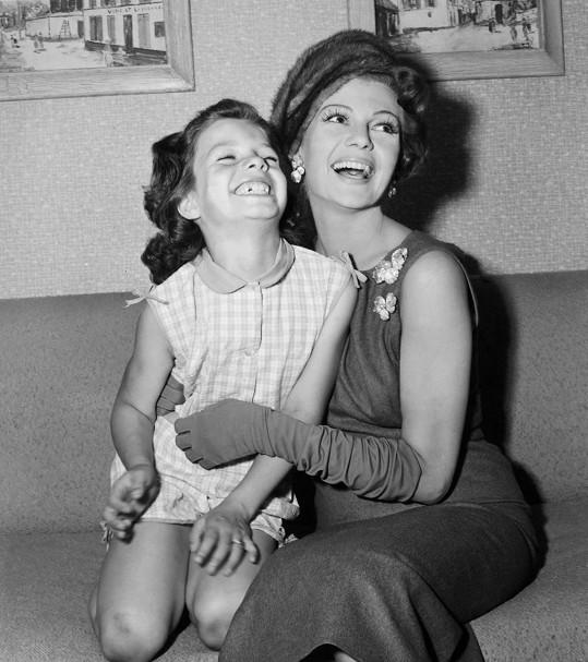 S dcerou Yasmin, která se o ni na konci života příkladně starala.