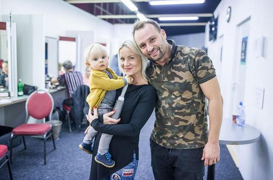 Manželka Marka s jeho synem navštěvuje na trénincích také Pavlu.