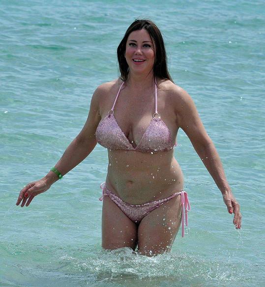 Lisa Appleton pózovala u španělského pobřeží.