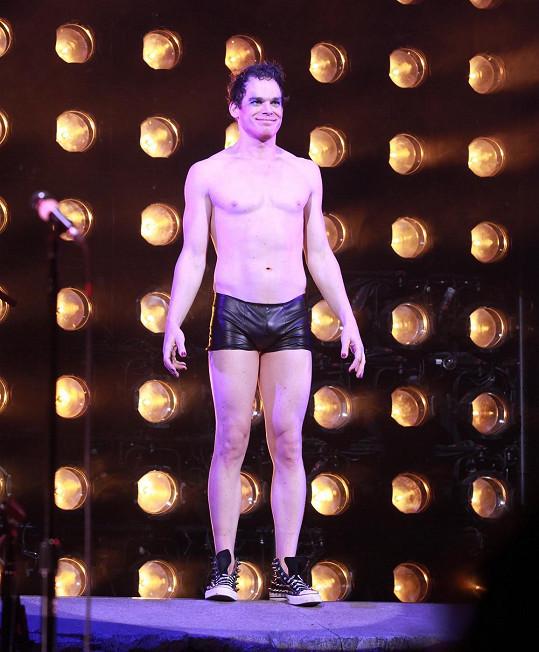Seriálový Dexter na prknech divadla Broadway