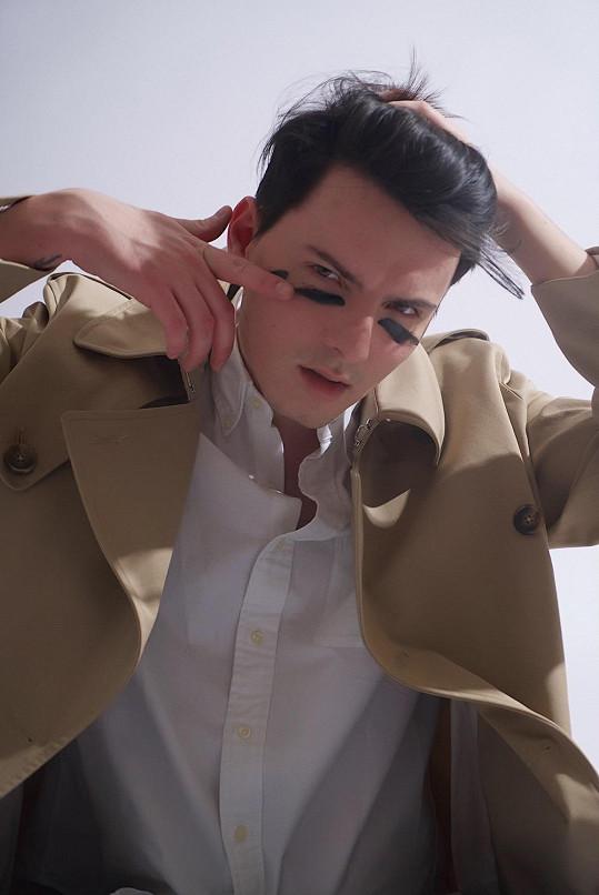 Podívejte se na videoklip The Power od nadějného nováčka na hudební scéně.