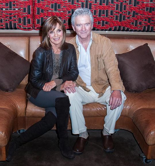 Duffy na loňském setkání se svou kolegyní z Dallasu Lindou Gray, která je o devět let starší.
