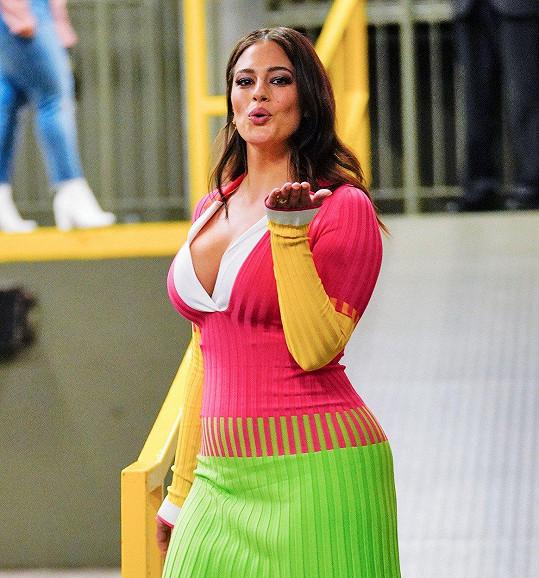 Fanouškům se nelíbilo, že modelka evidentně pár kilo shodila.